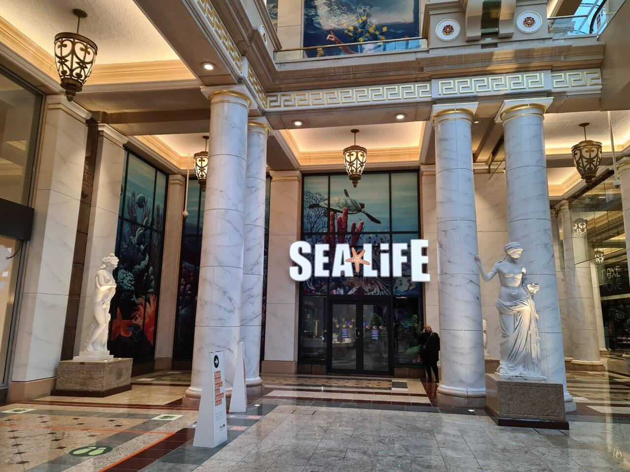 trafford center sea life