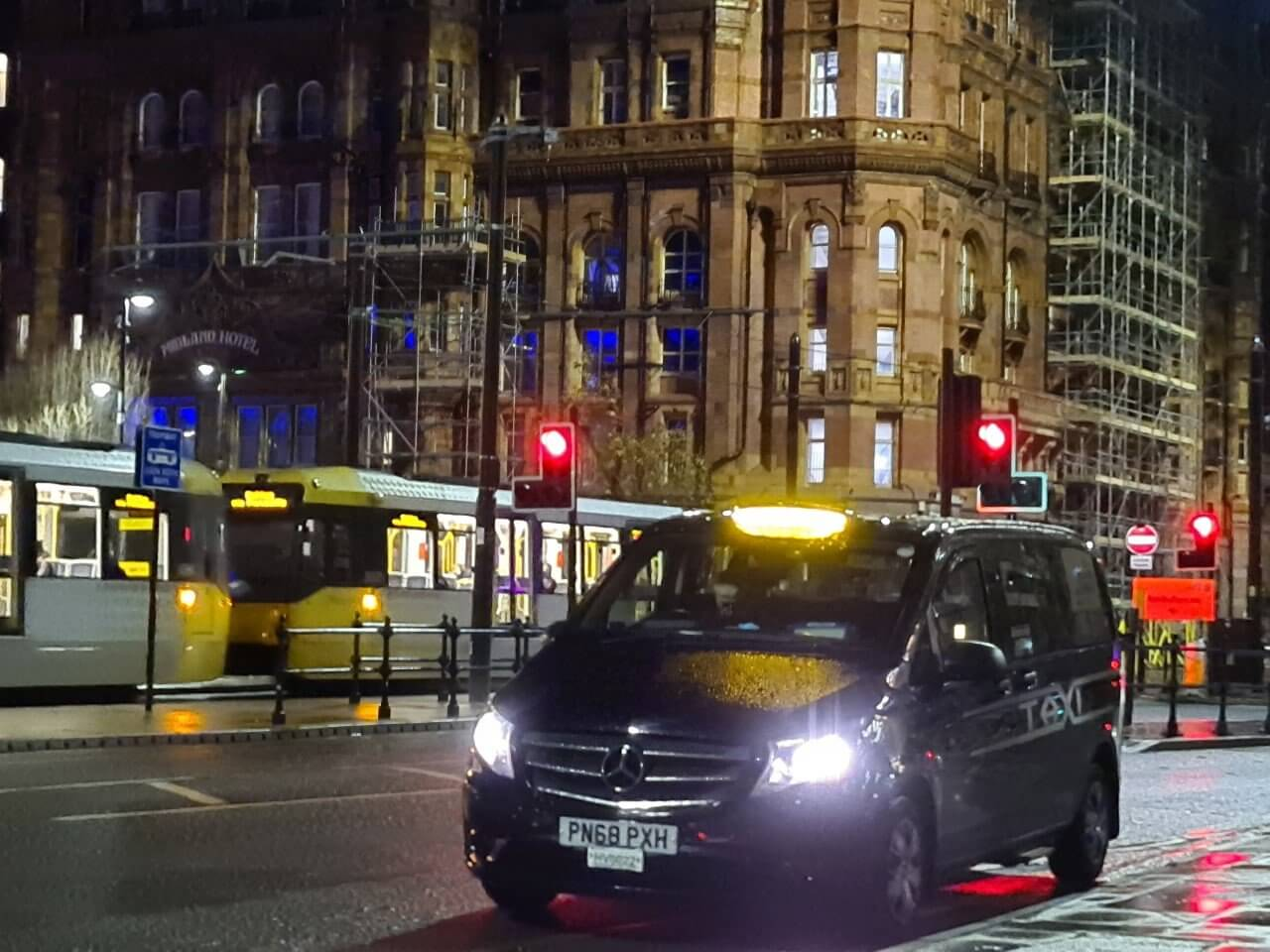 Manchester Airport Taxis Service gallery